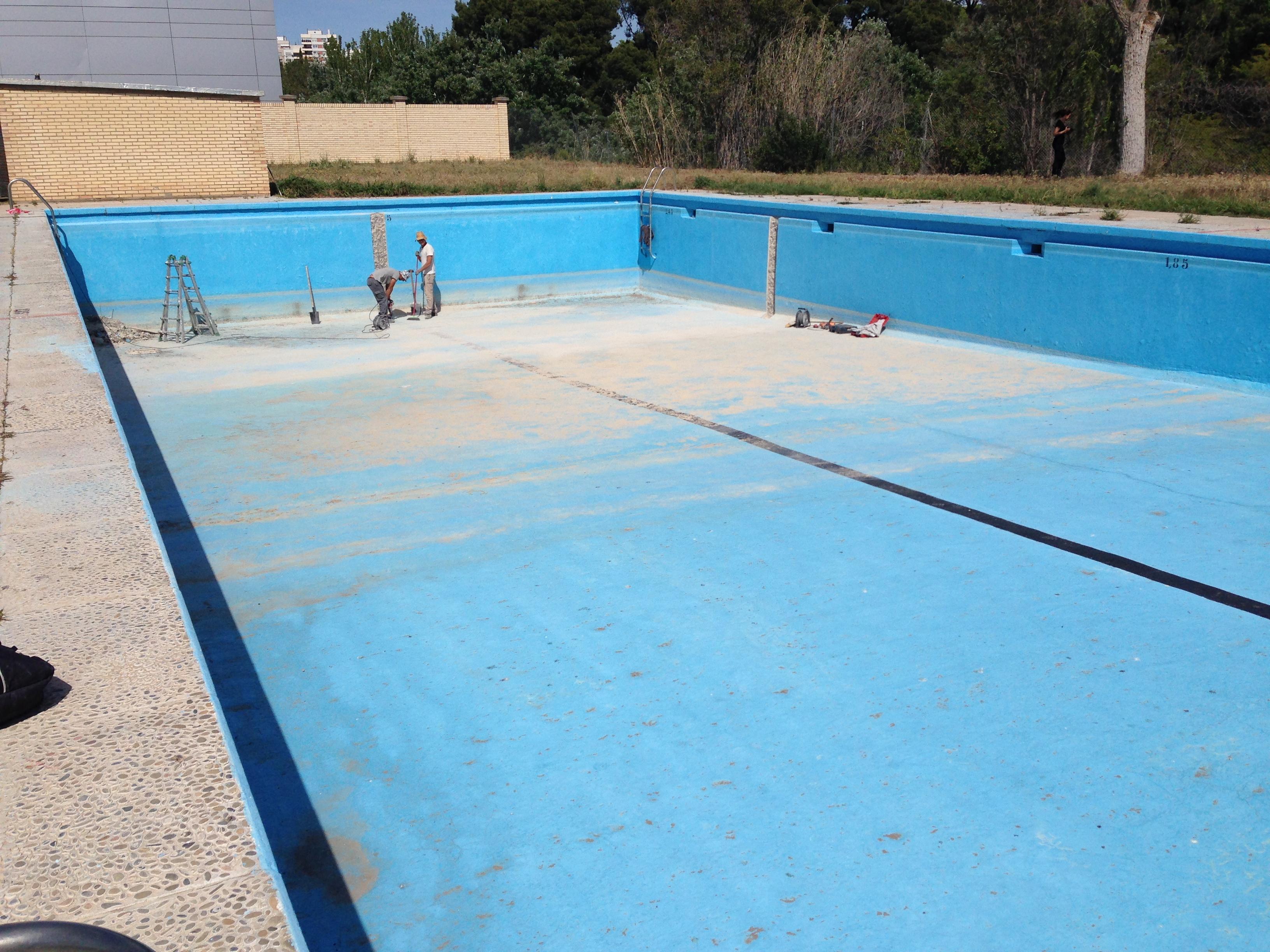 reforma-de-piscina-en-centro-deportivo_713321